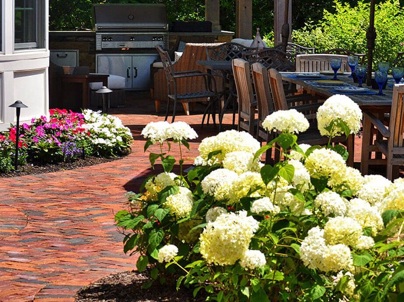 Landscape Flower Bed Maintenance Cleveland | Exscape Designs