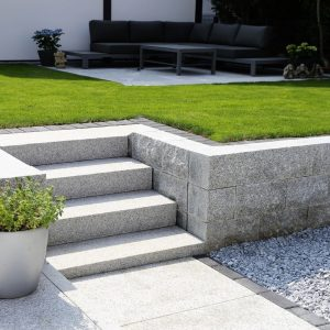 Choosing a Modern Landscape Design (How to Give it a Modern Look)